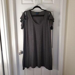 🌻4 for $25🌻 Plus Size Cold Shoulder Dress 2x